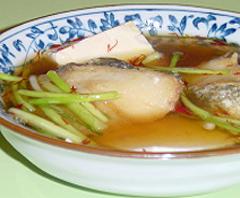 鱈と豆腐の紅花スープ