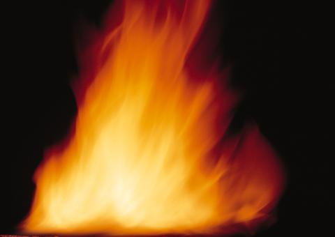 SNS利用拡大で広がる「炎上」の恐怖