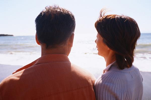 変わるシニア婚活、入籍せず通い婚選ぶ人も