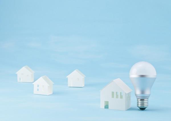 LED電球とミニチュア