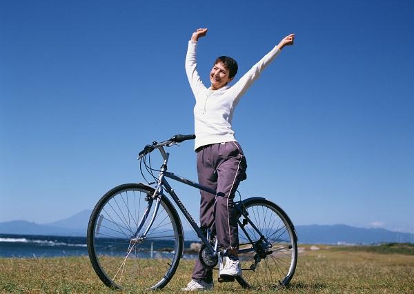 高齢になるほどたんぱく質の摂取が大切 ダイエットにも効果的?サプリメントで補おう