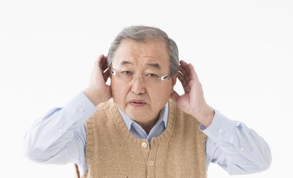 脳だけでなく「難聴」になるリスクも!スマートフォンはさまざまな悪影響を与える?