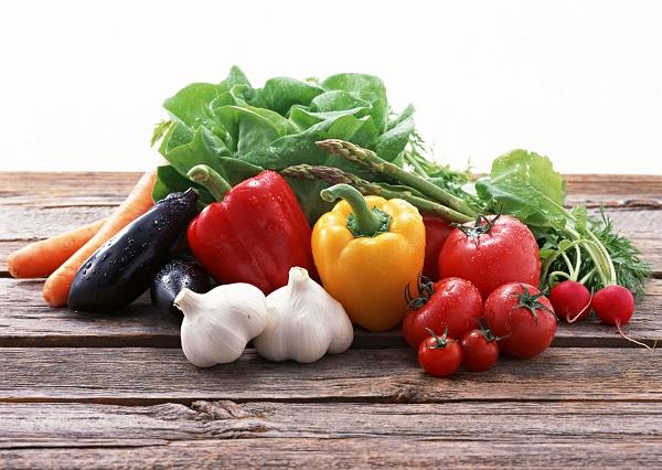 野菜摂取量の日米比較!アメリカ人のほうが多く野菜を食べている?コンビニ店舗数が多くても野菜は摂取していない現状