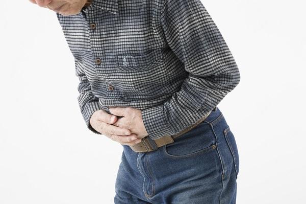 食中毒になる主な原因は?食中毒はうつるの?感染ルートや潜伏期間、検査方法、感染した場合の投薬治療について