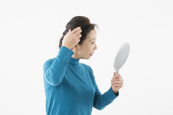 髪の毛も紫外線で「やけど」してしまう。髪の毛がパサパサになる?髪の毛を守る対策とは