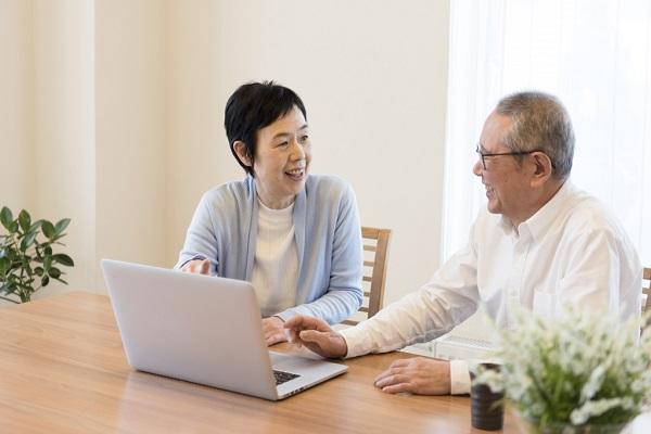 ICTを活用したオンライン診療はどのように行われるの?システムはどのようなもの?アプリが必要?厚生労働省認可はちゃんと下りてる?オンライン診療のガイドライン