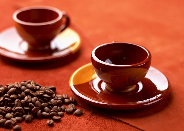 1日のカフェイン摂取量の目安・上限はどのくらい?カフェインの摂り過ぎは頭痛などの副作用も