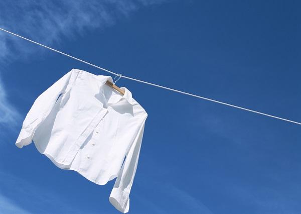 夏は服が薄くなり、恥ずかしいところが透けてみえることにも注意しよう!オススメの汗臭ケアアイテム