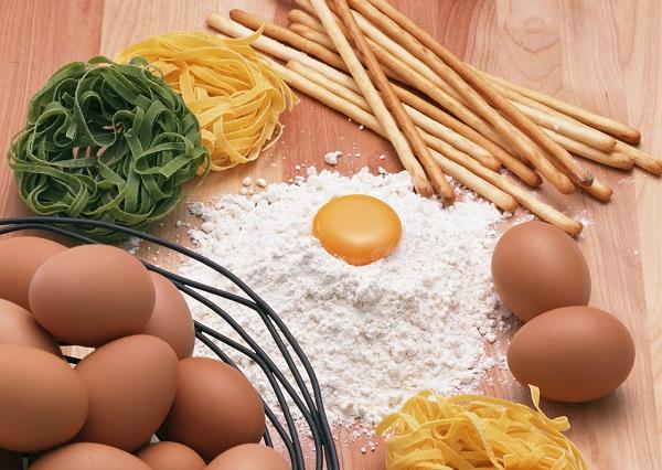 疲労回復に良い食事とは?亜鉛、ビタミンC、漢方、サプリなど何が最適?