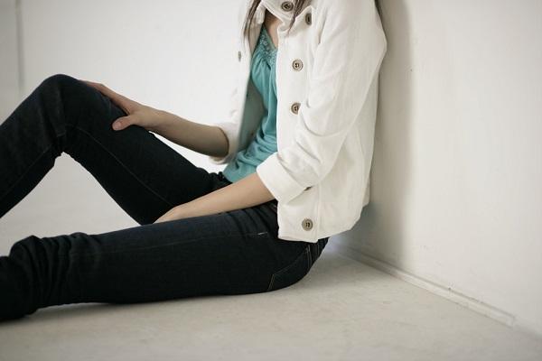坐骨神経痛の原因は?腰、モモ、ヒザ、足首、足のしびれや痛みが起こる