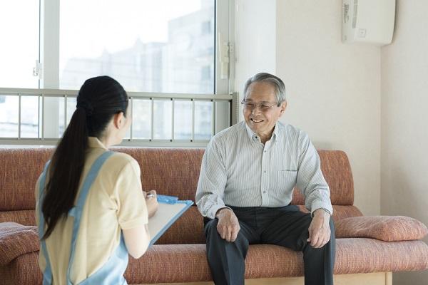 ピック病と認知症との違い。介護施設ではどのような対応をしている?