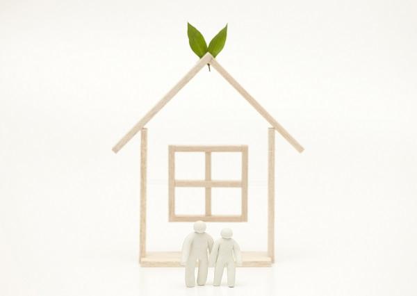 シニアのシェアハウス事情。物件探しからパートナーの募集方法は?一軒家・アパートどっちでシェアハウスは可能?運営を行っている会社はある?