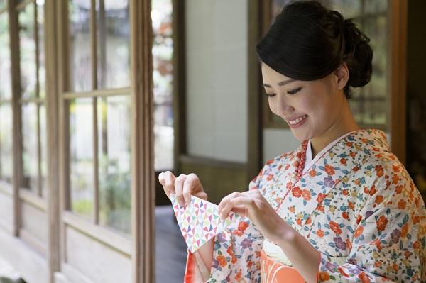 飾りとしても人気!折り紙が外国でブームになっている折り紙の魅力とは?