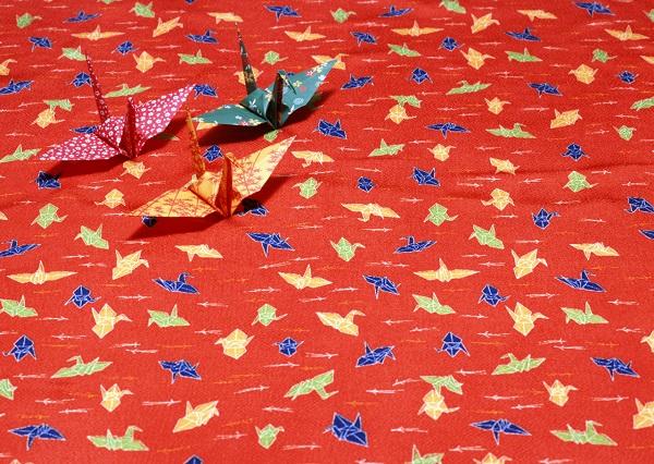 大人でも楽しめる!日本文化の「折り紙伝統」、その歴史は?